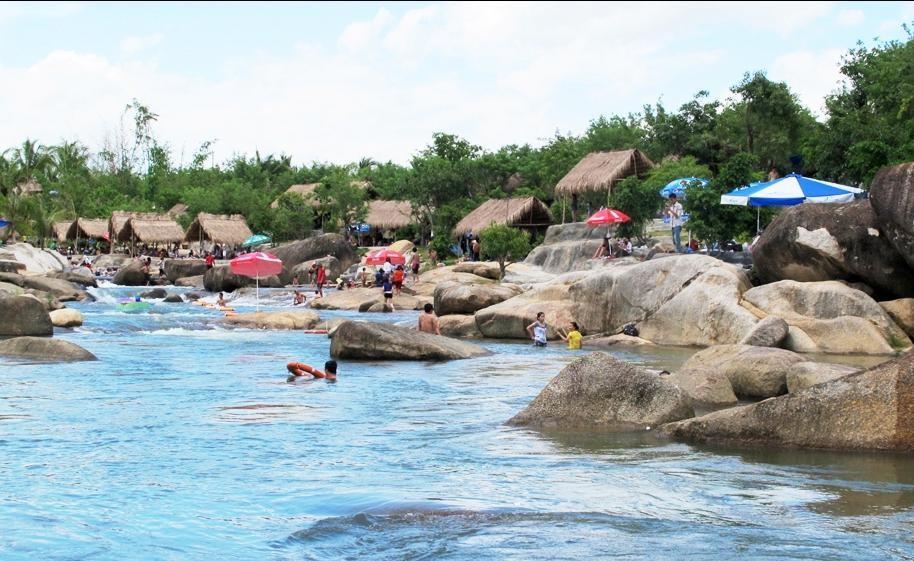 Khu du lịch Waterland Suối Thạch Lâm Nha Trang