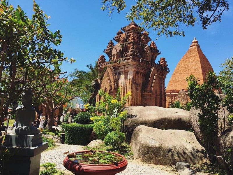Tháp bà Ponagar ở Nha Trang cực đẹp