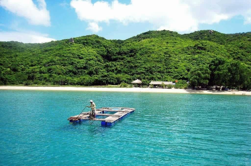 Vịnh Ninh Vân ở Nha Trang cực đẹp
