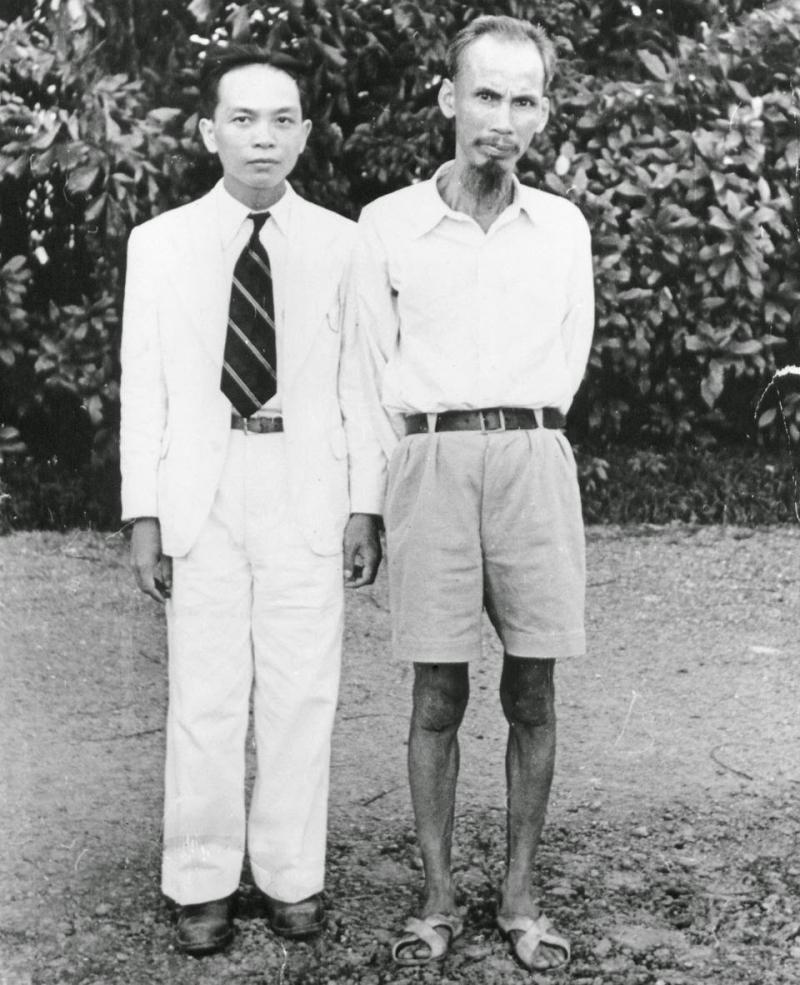 Bác Hồ và đại tướng Võ Nguyên Giáp