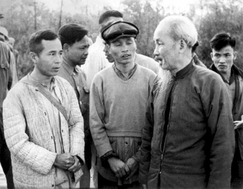 Hình ảnh Chủ Tịch Nước - Hồ Chí Minh