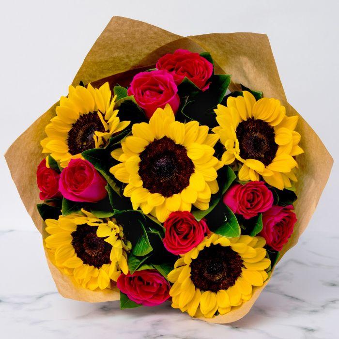 Bó hoa hướng dương nhiều màu sắc