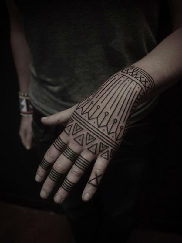 Mẫu xăm hoa văn ở bàn tay cực đẹp