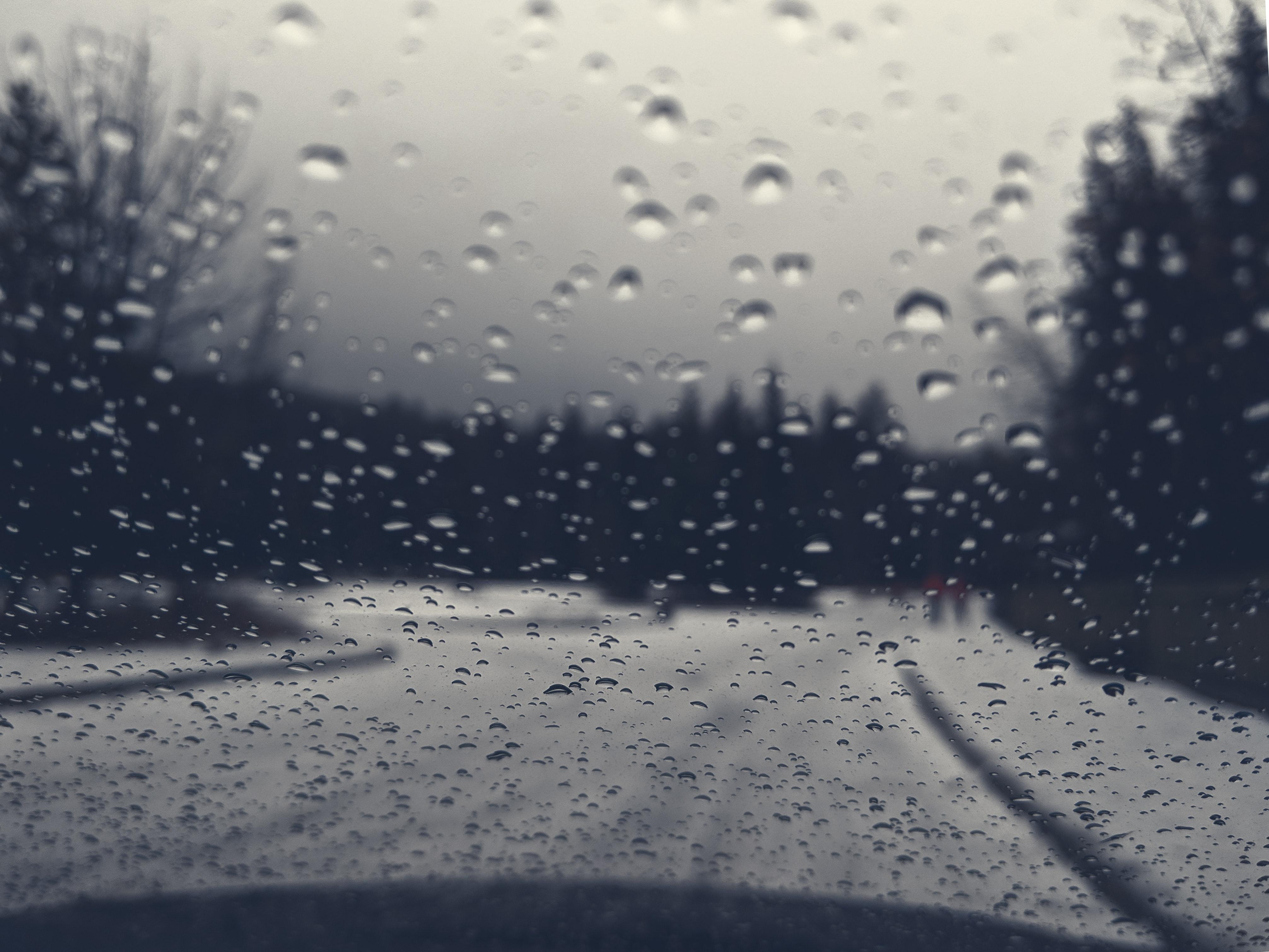 Ảnh cơn mưa đẹp mà buồn