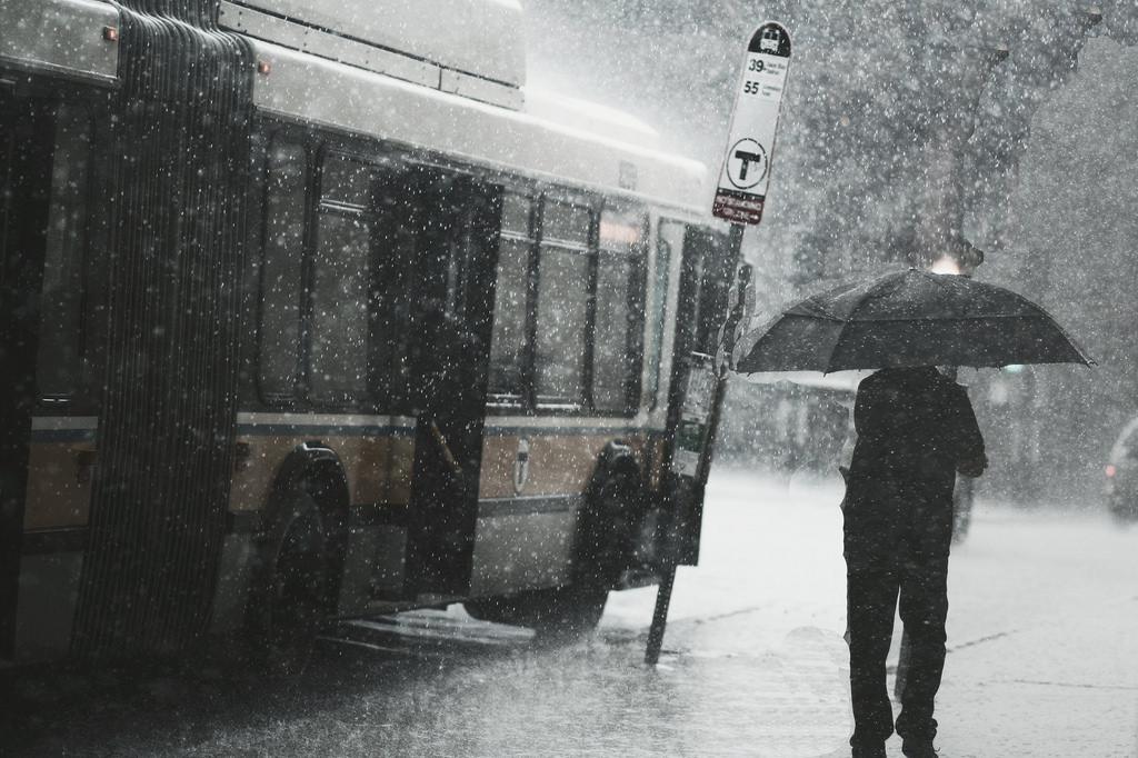 Ảnh cơn mưa rào buồn