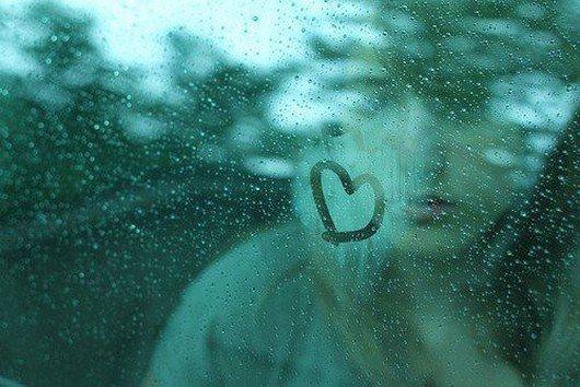 Ảnh cơn mưa tình yêu buồn đẹp