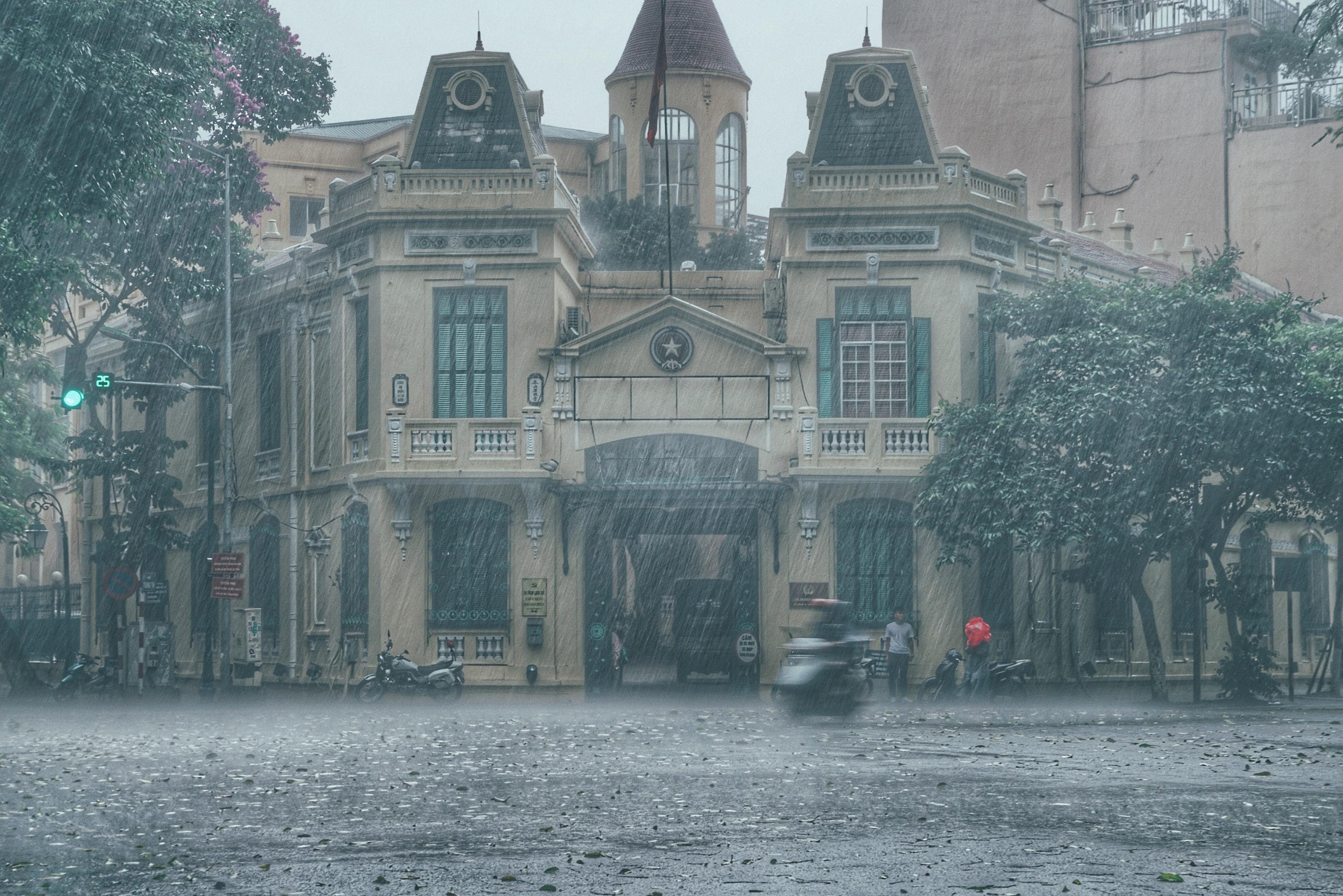 Hình ảnh phố mưa buồn