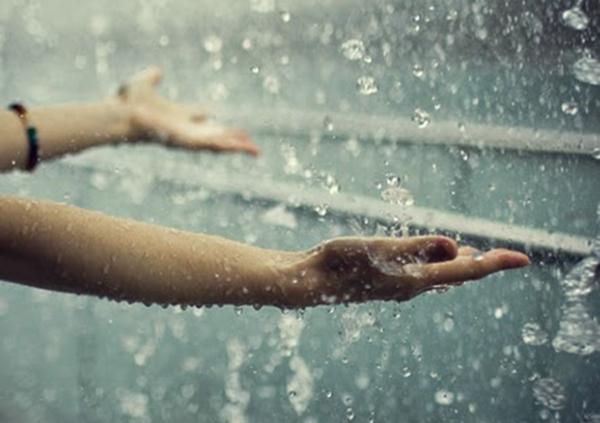 Hình ảnh trời mưa buồn lãng mạn