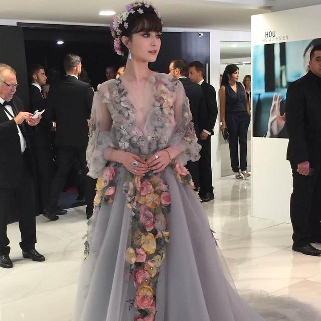Trang phục độc đáo của Phạm Băng Băng