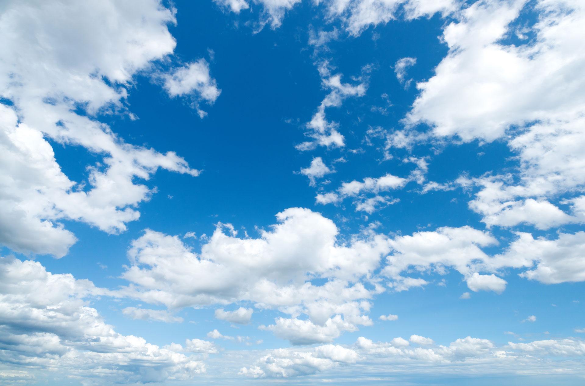 Ảnh bầu trời đẹp cùng mây trắng