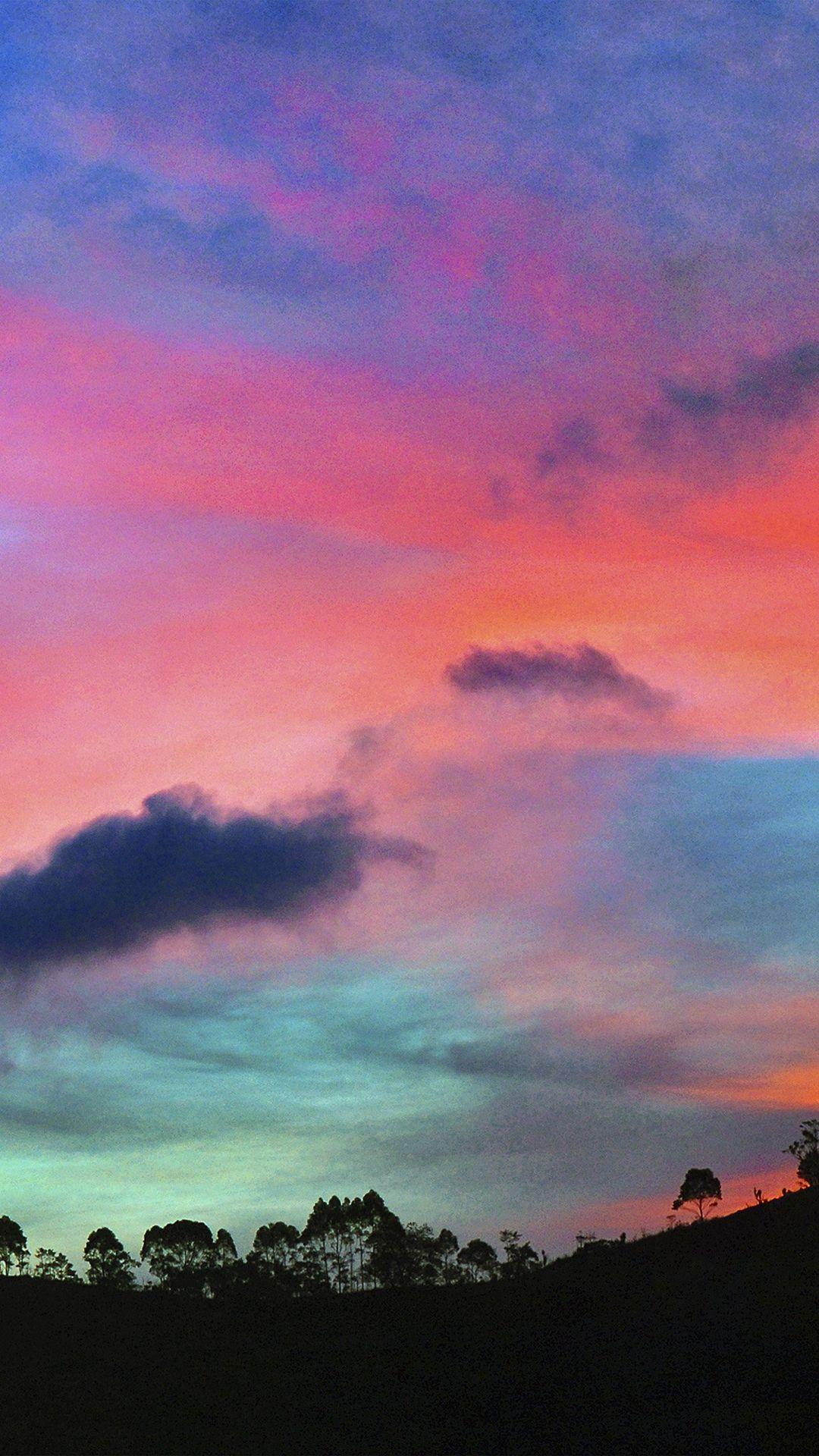 Ảnh bầu trời sắc màu sặc sỡ rất đẹp