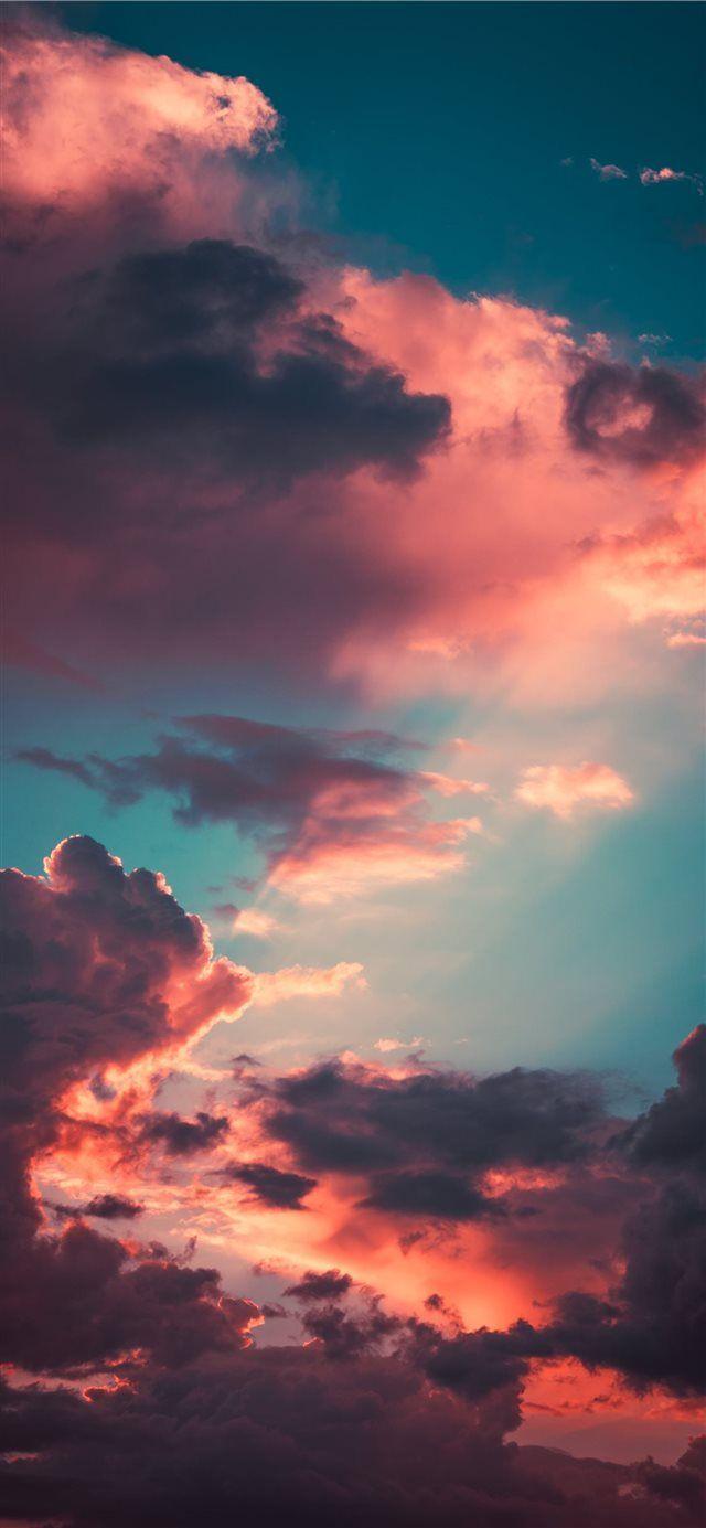 Ảnh hoàng hôn trên nền trời rất đẹp