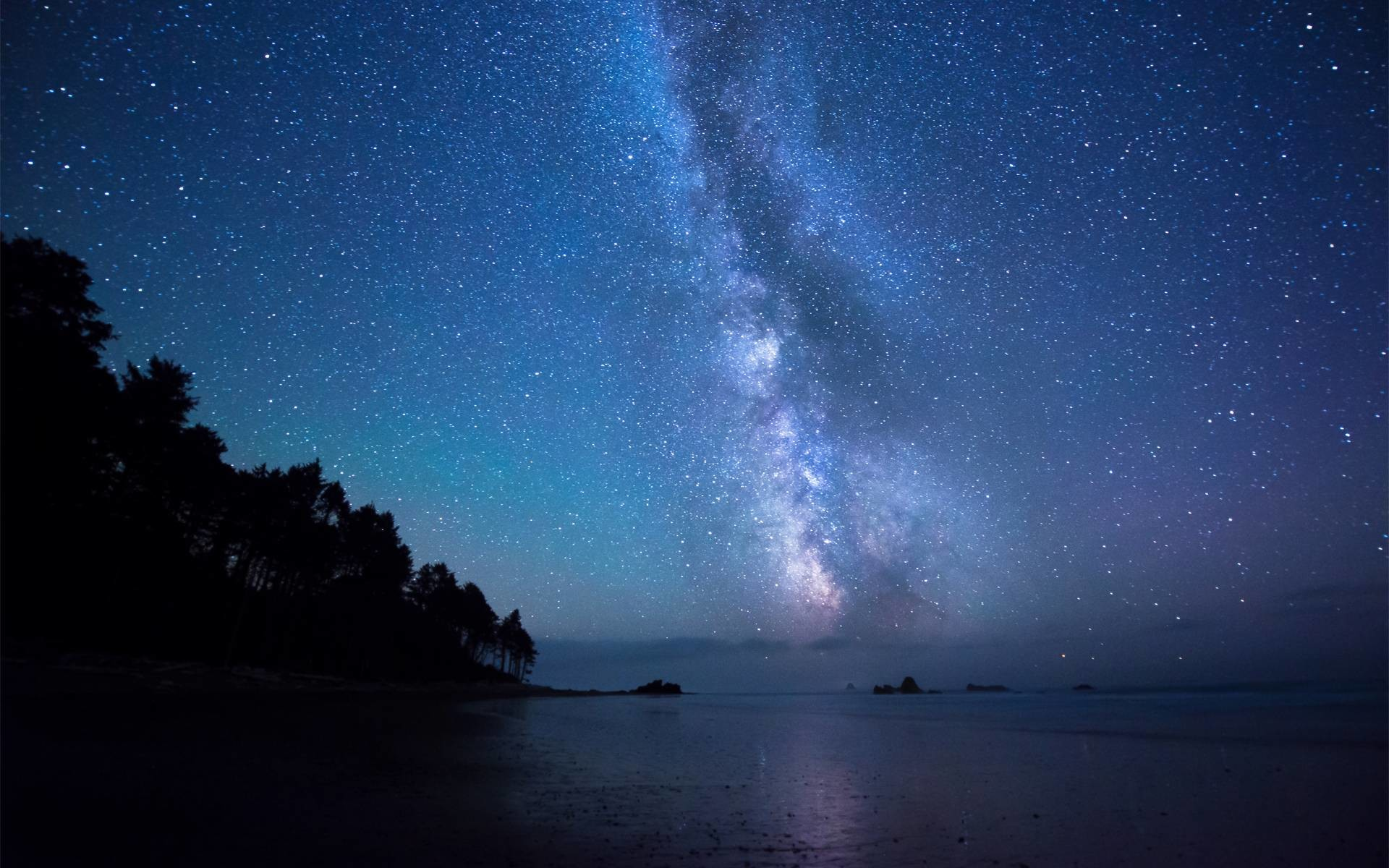 Bầu trời đêm cạnh bờ biển