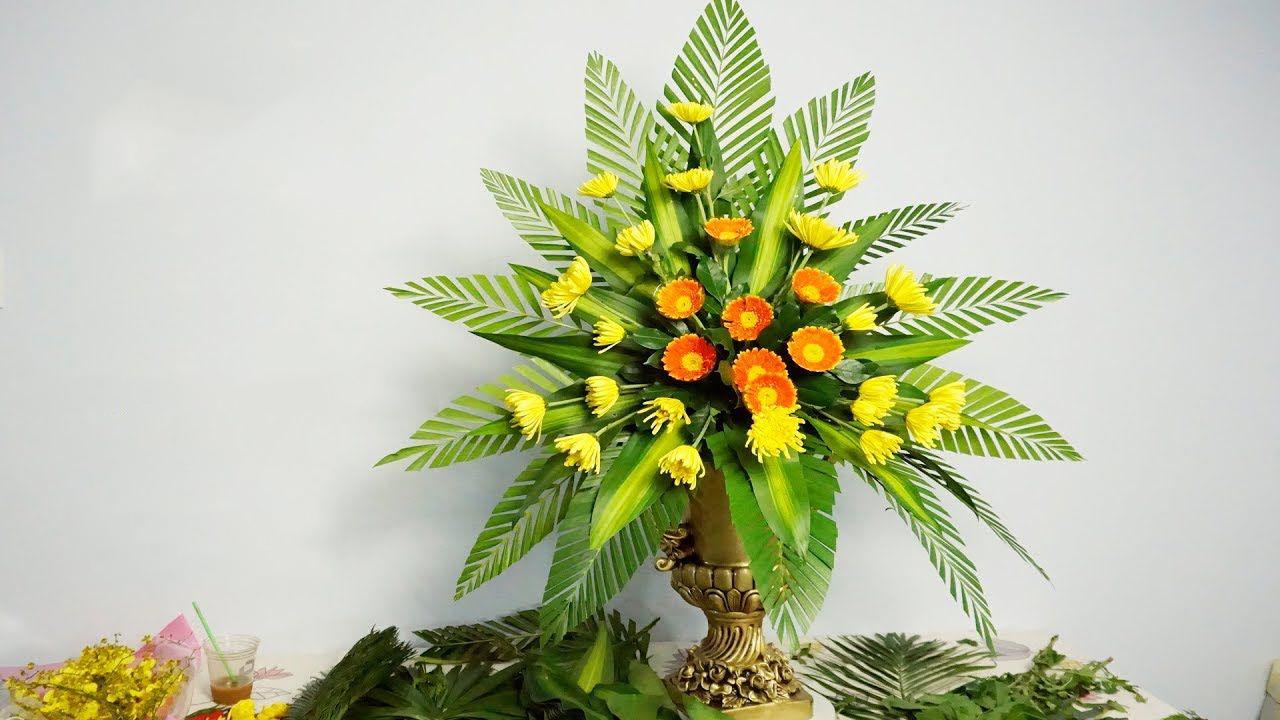 Ảnh cắm hoa bàn thờ đơn giản nhất