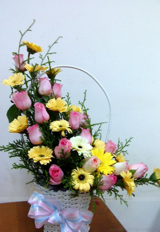 Ảnh cắm hoa bàn thờ