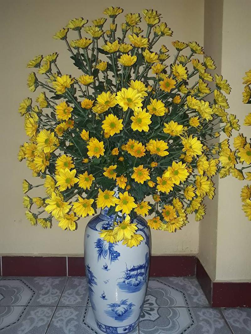 Ảnh cắm hoa để bàn thờ đẹp