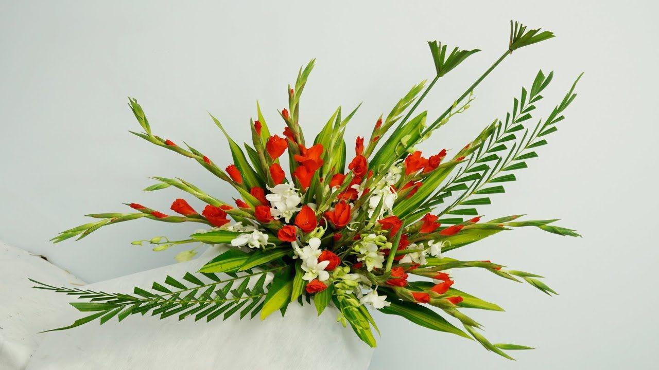 Ảnh cắm hoa để bàn thờ đơn giản và đẹp nhất