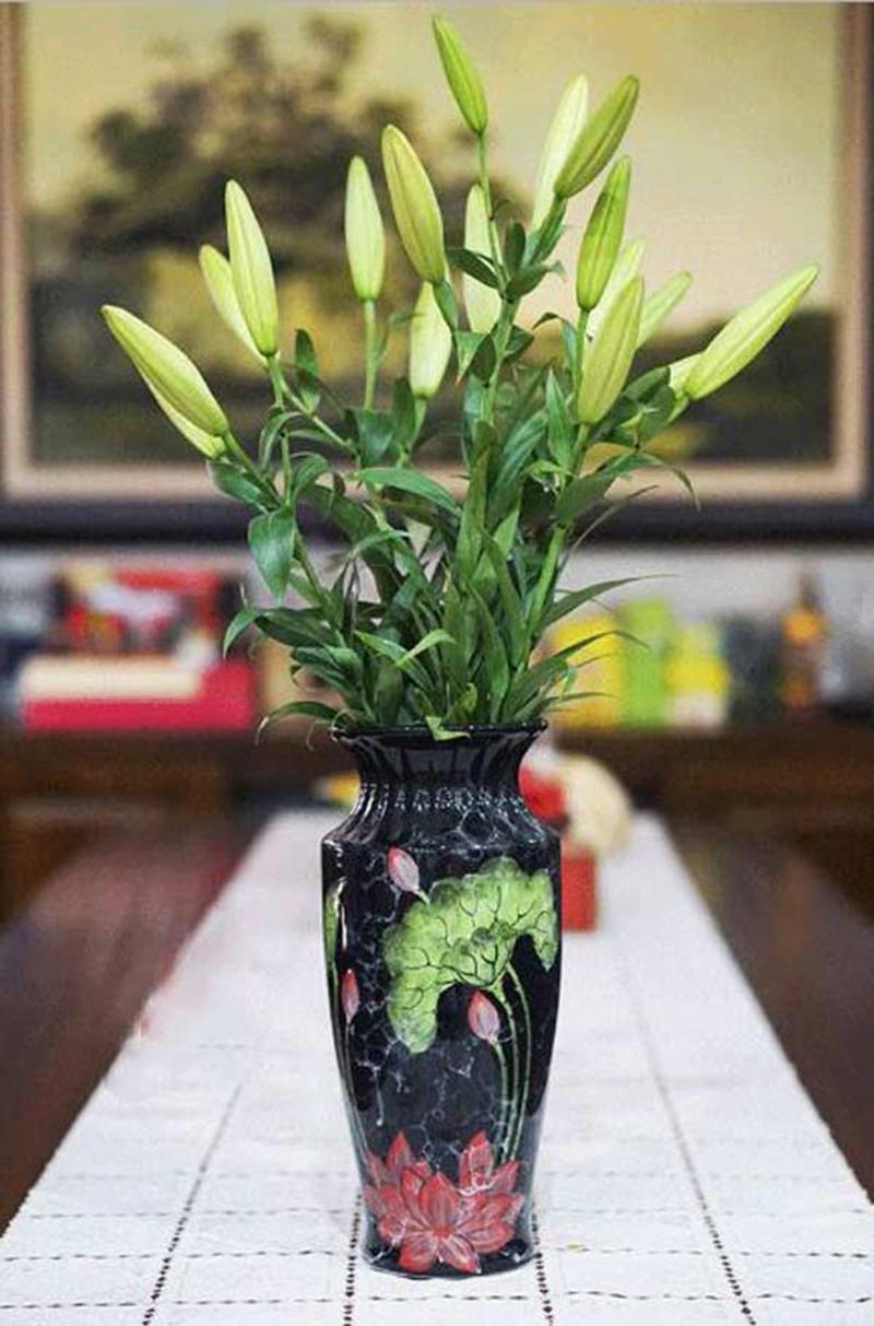 Ảnh cắm hoa đẹp để lên bàn thờ