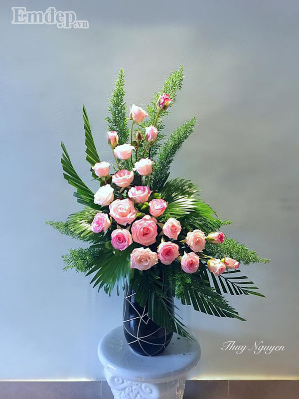 Ảnh cắm hoa hồng để bàn thờ đẹp nhất