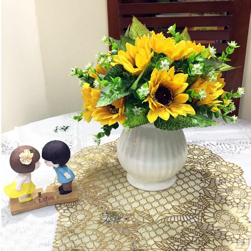 Cách cắm hoa Hướng Dương để bàn đẹp nhất