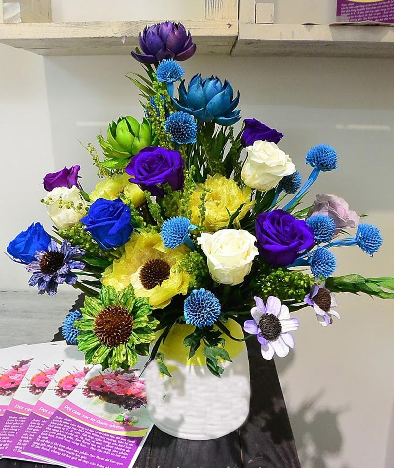 Cắm hoa bàn thờ gia tiên bằng hoa giấy hình ảnh đẹp nhất