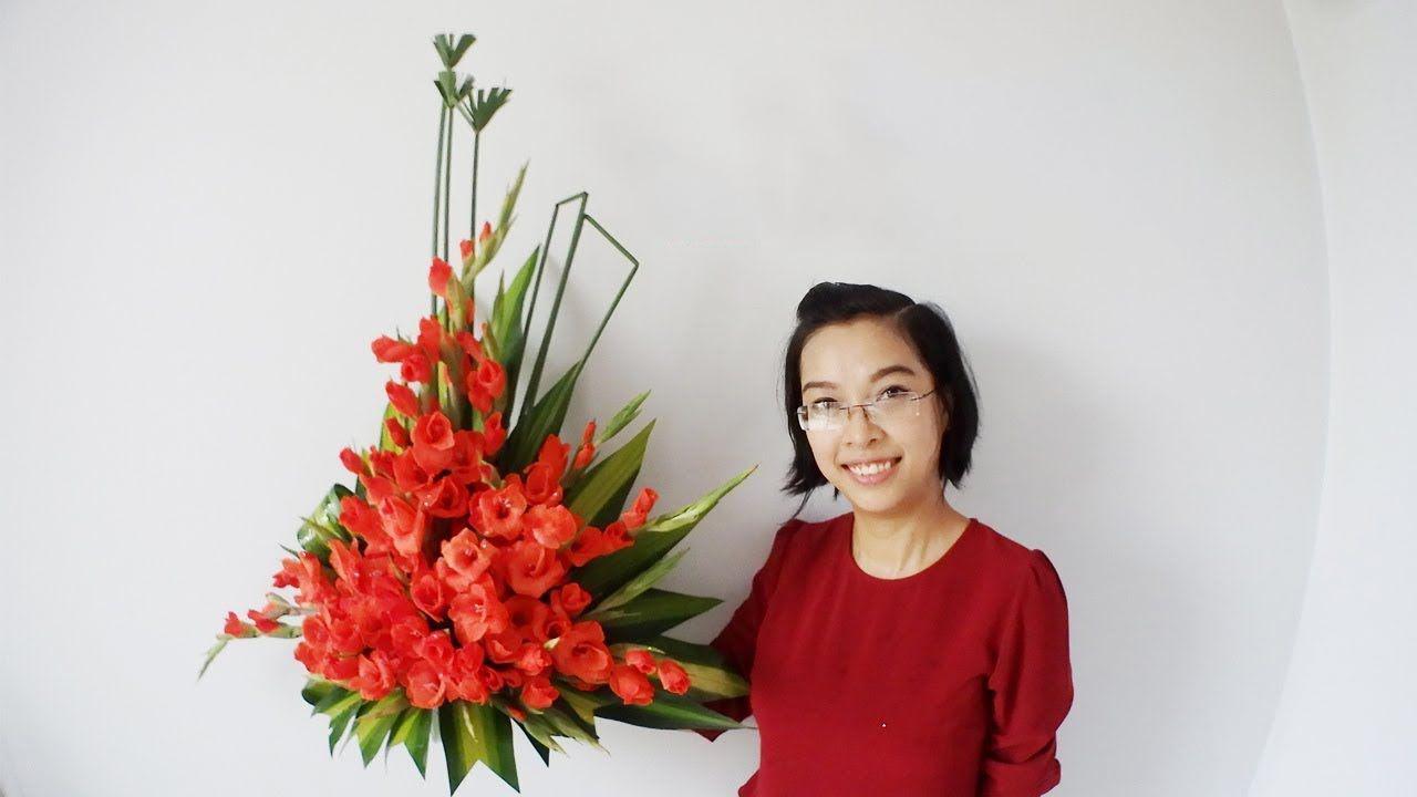 Cắm hoa bàn thờ ngày Tết bằng hoa lay ơn đỏ đẹp nhất