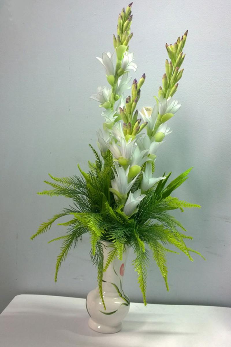 Hình ảnh cắm hoa bàn thờ bằng hoa huệ đẹp nhất