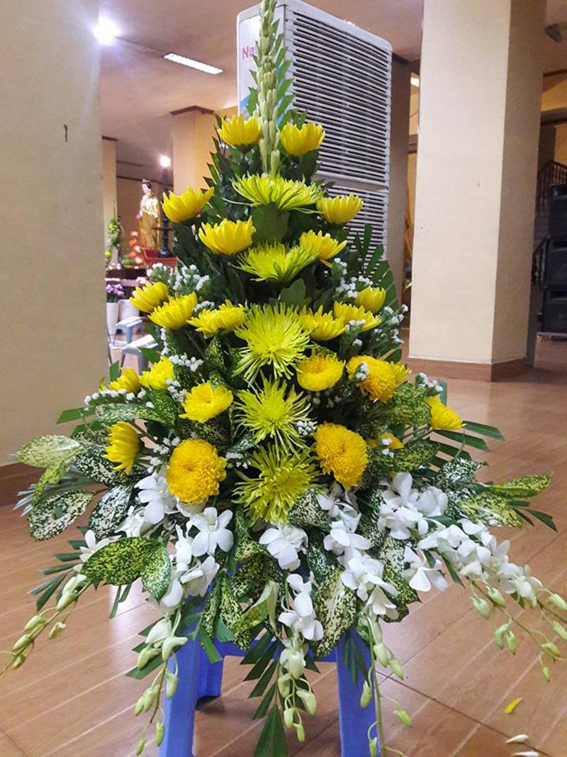 Hình ảnh cắm hoa bàn thờ đẹp