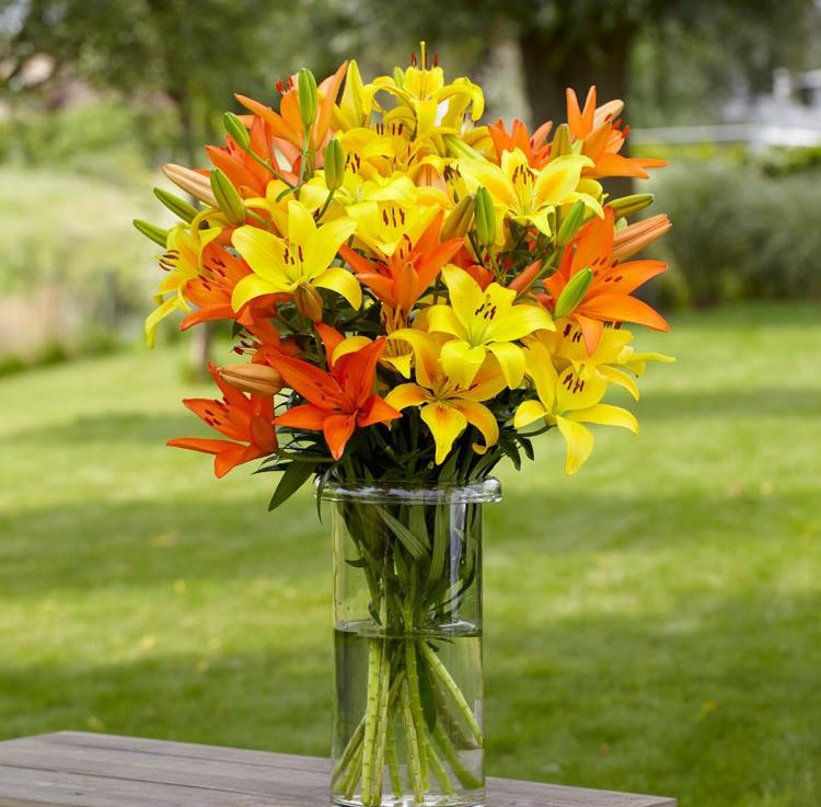 Hình ảnh cắm hoa ly để bàn thờ đẹp nhất
