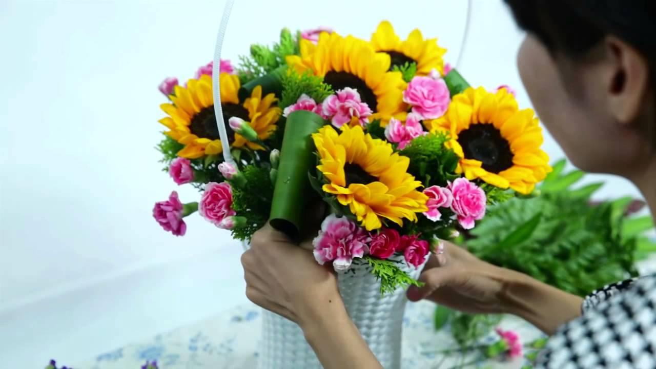 Mẫu cắm hoa Hướng Dương cực đẹp cho ngày Tết