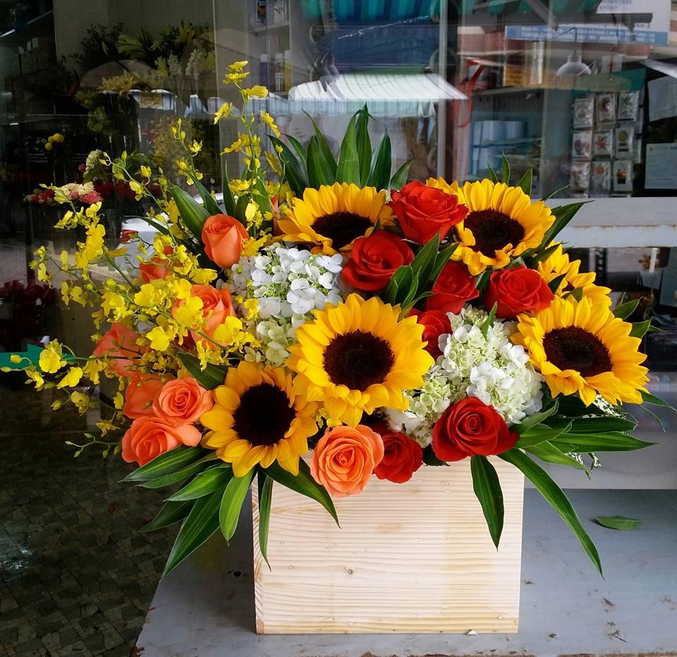 Mẫu cắm hoa hướng dương dành cho khai trương đẹp