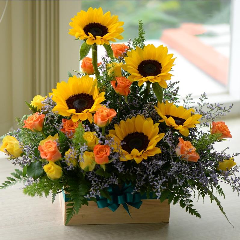 Mẫu cắm hoa Hướng Dương để bàn trong nhà đẹp nhất