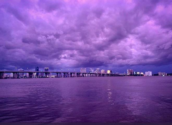 Bầu trời màu tím hình ảnh đẹp nhất