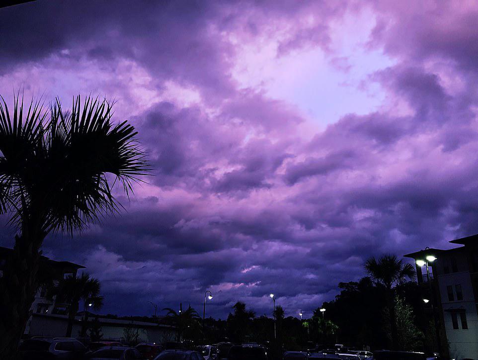 Hình ảnh đám mây màu tím đẹp nhất
