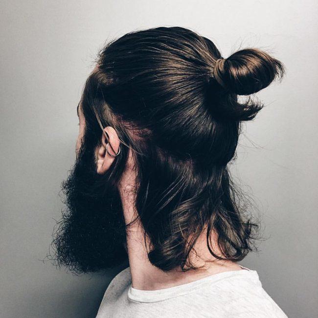 Tóc dài búi cao và đuôi tóc thả