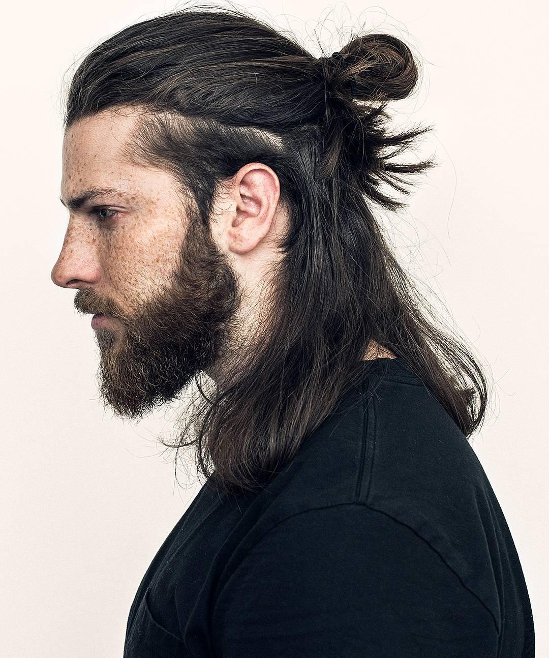 Tóc dài buộc cho nam, búi nửa mái tóc