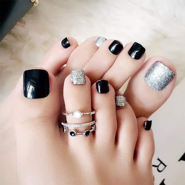 Mẫu móng chân đơn giản