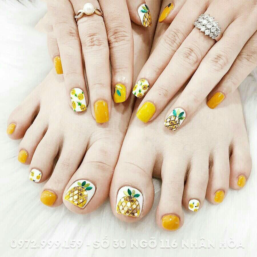 Mẫu móng chân hình hoa quả màu vàng đẹp nhất
