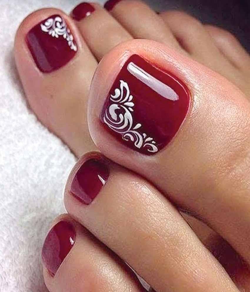 Mẫu móng chân màu đỏ đẹp nhất