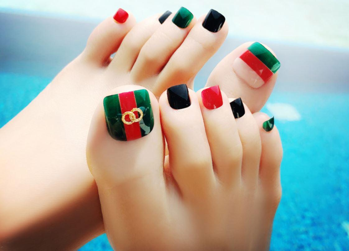 Mẫu nail chân đẹp nhất cho cô nàng sành điệu