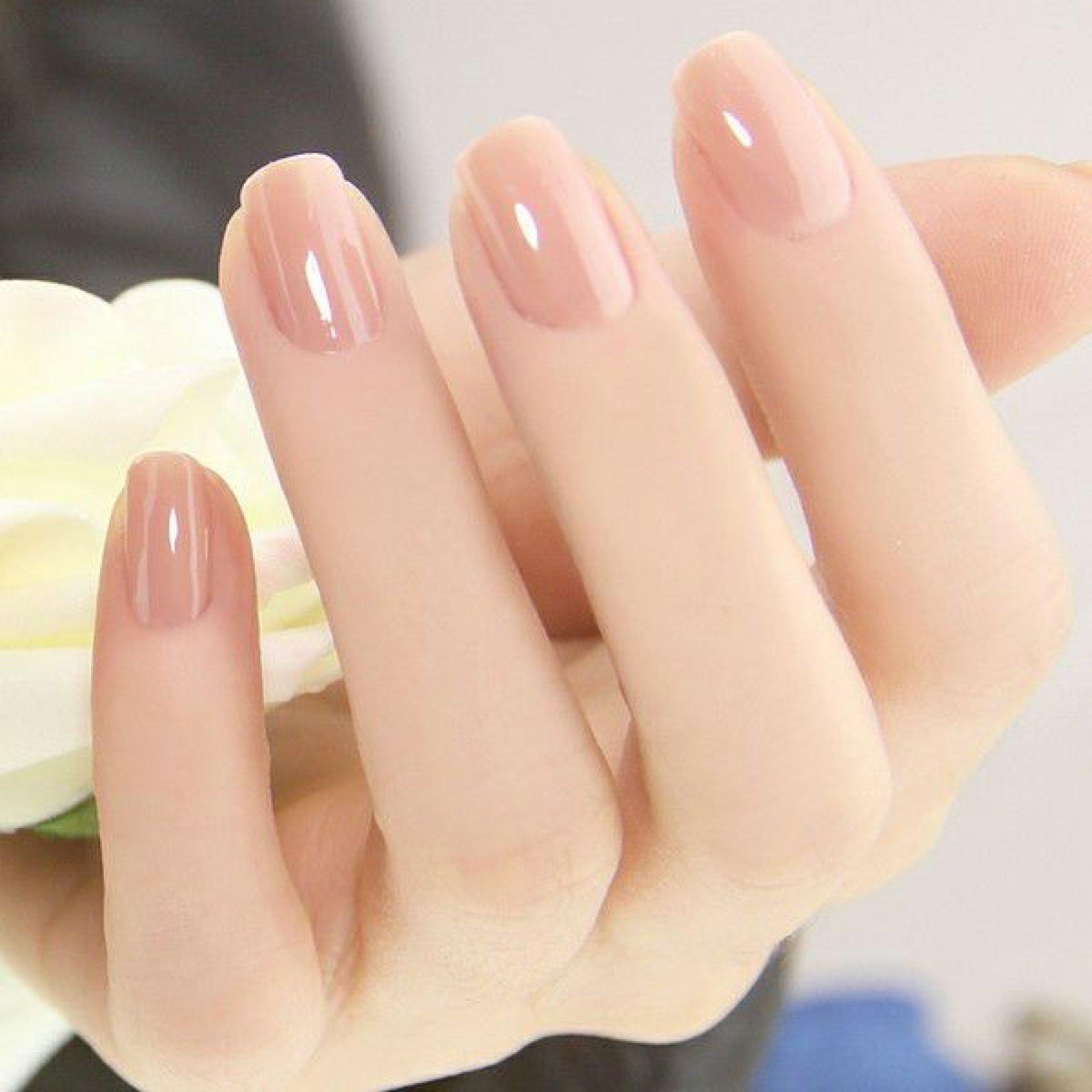 Mẫu nail đẹp cho bạn gái cá tính