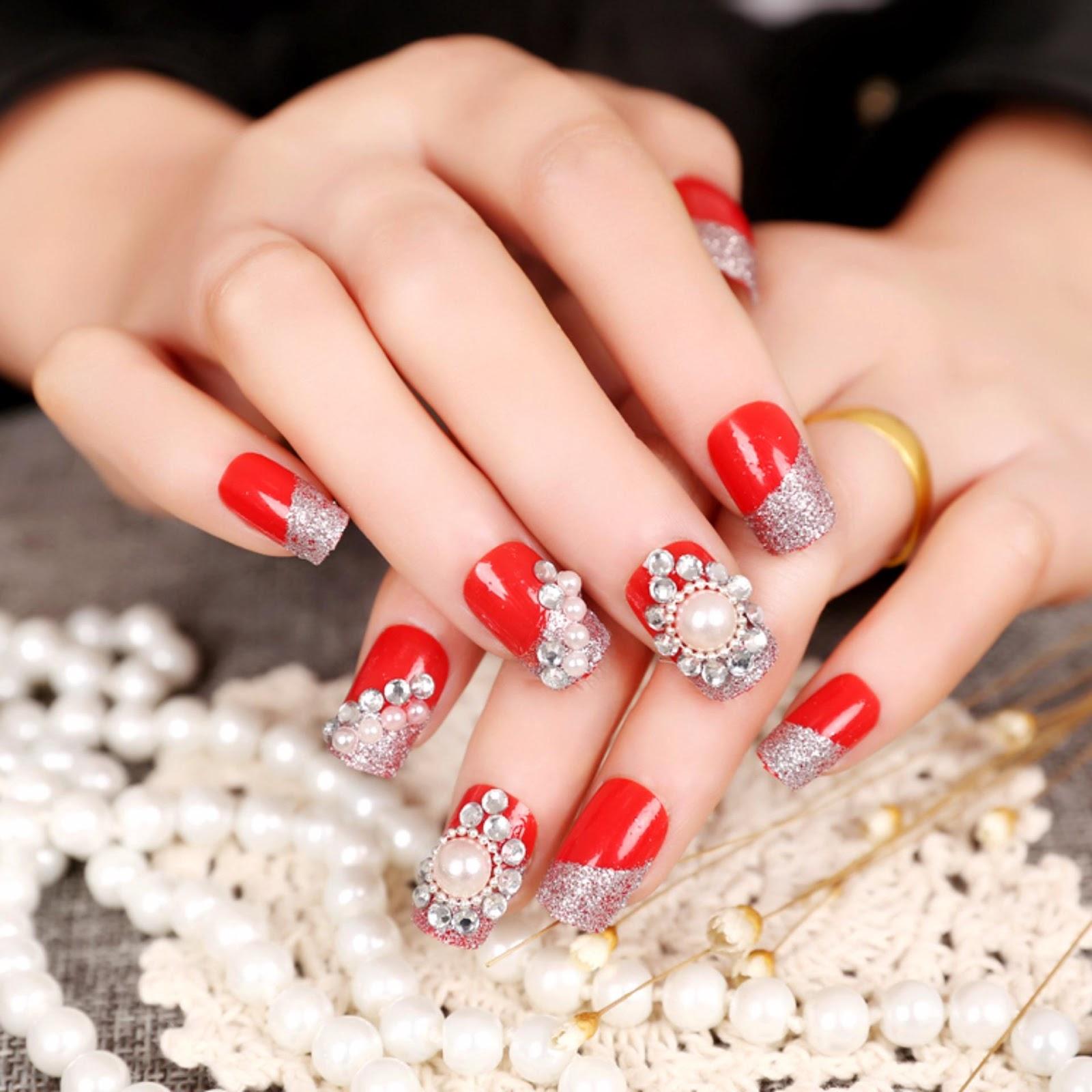 Mẫu nail đính đá đẹp màu đỏ