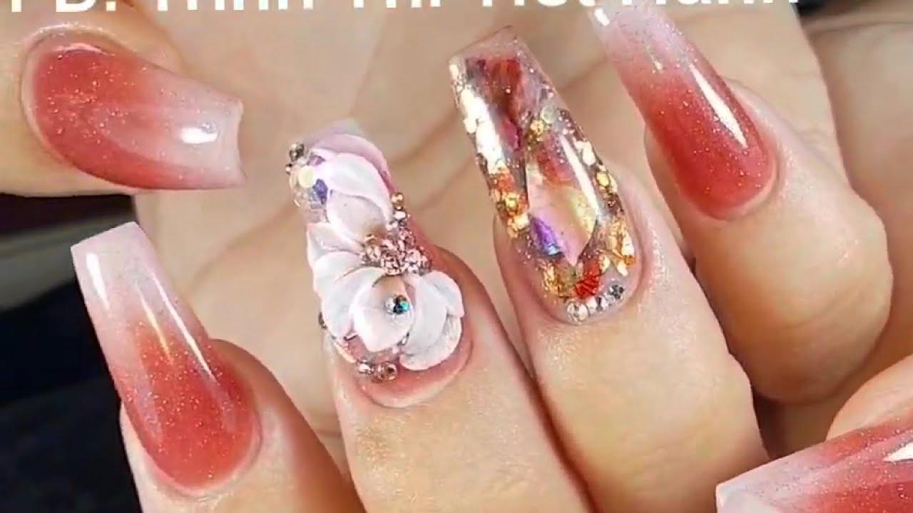 Mẫu nail đính đá đẹp nhất cho bạn gái