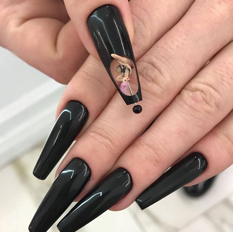 Mẫu nail độc và lạ nhất hiện nay