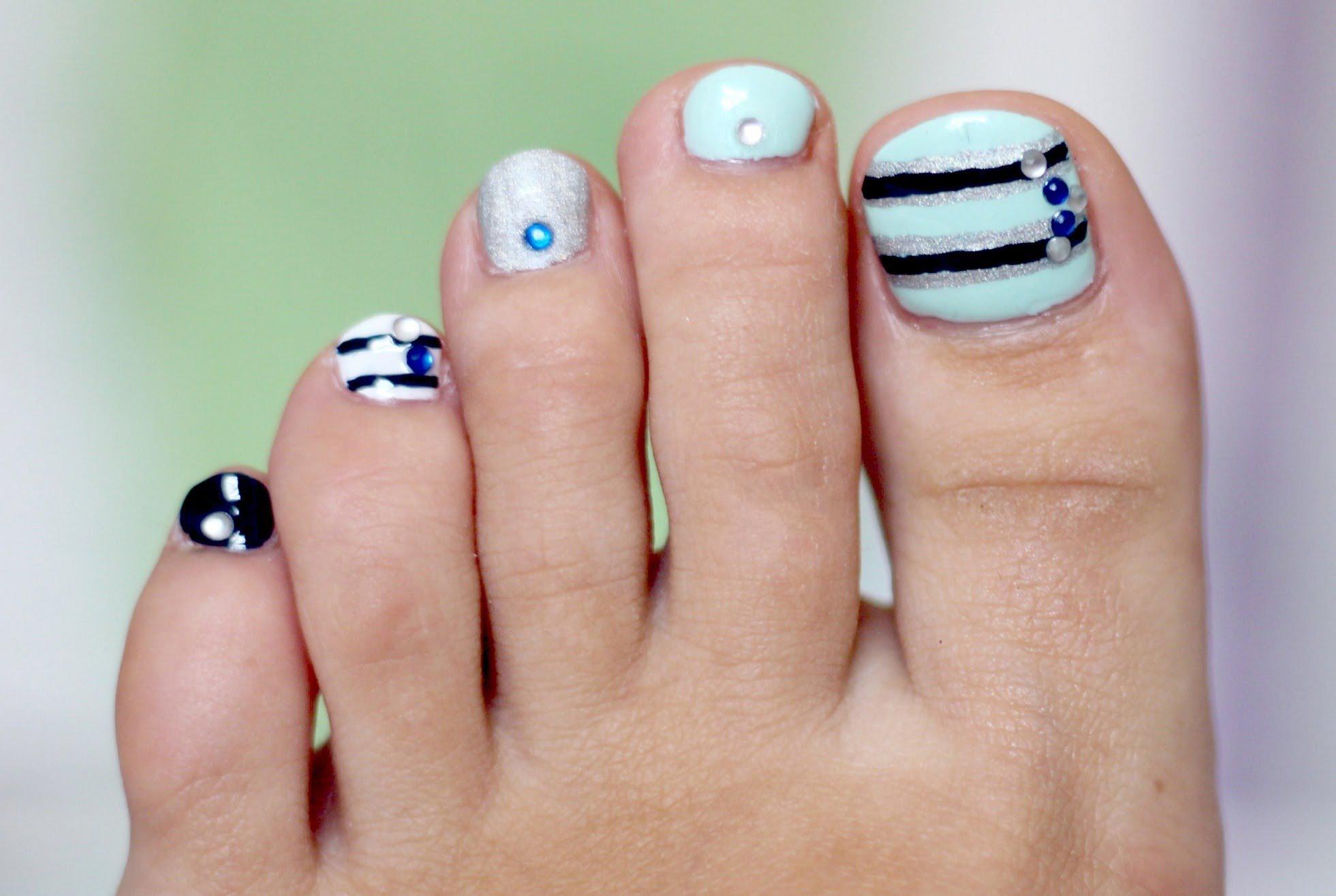Mẫu nail móng chân cho da ngăm đẹp