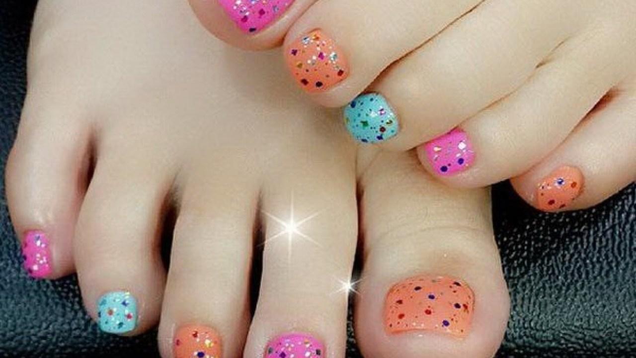 Mẫu nail móng chân đầy đủ màu sắc đẹp nhất