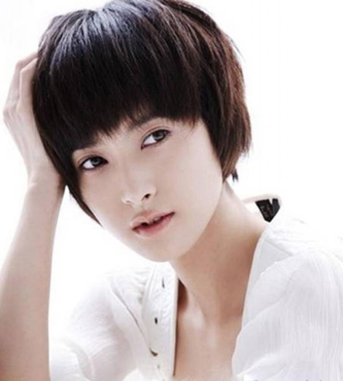 Mẫu tóc tém mái ngố đẹp nhất cho nữ