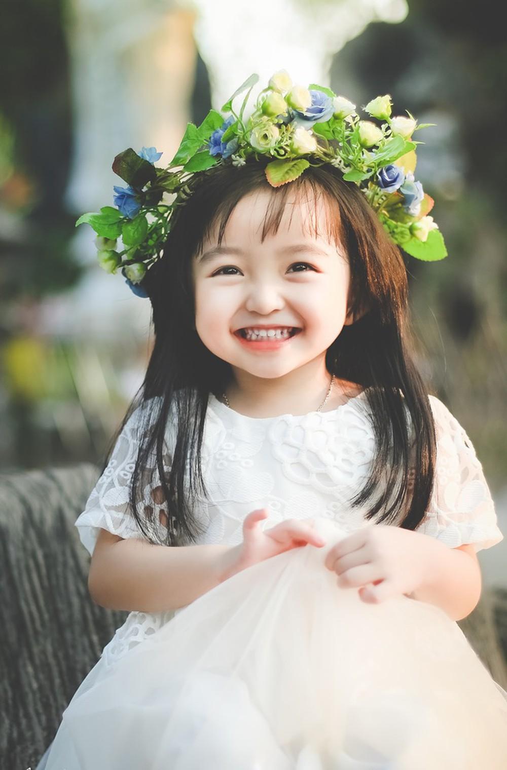Kiểu tóc dài thẳng đẹp nhất cho bé gái
