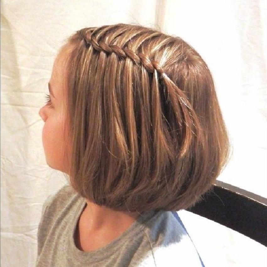 Tết tóc mái một bên cho bé gái đẹp nhất