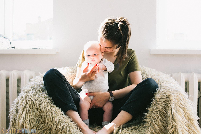 Cha mẹ nuôi con cả một đời không mong gì báo hiếu